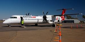 The 'ol Dash 8 http://en.wikipedia.org/wiki/File:QantasLink_-_VH-QOJ_-_Bombardier_Dash_8_Q400.jpg